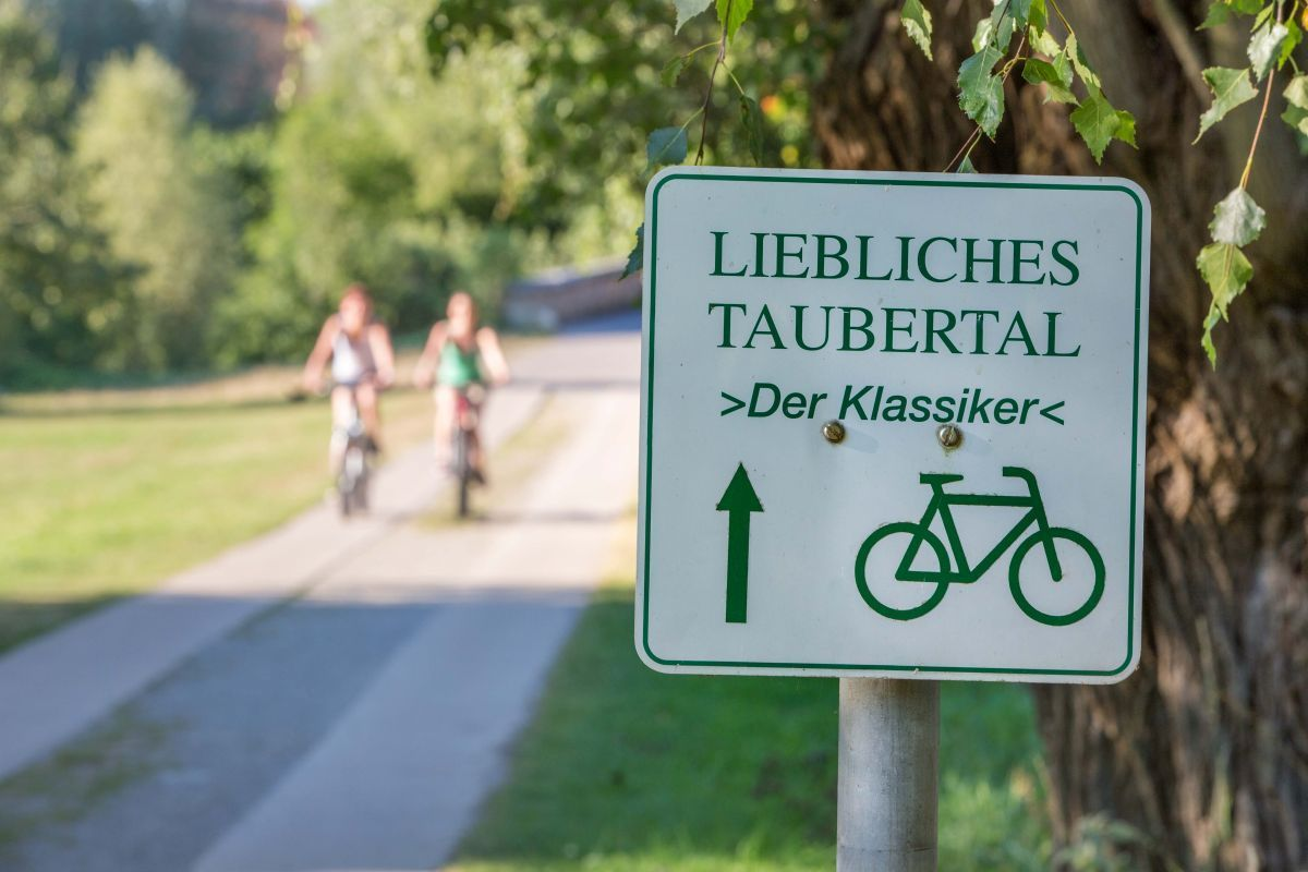 Cycling track near Rothenburg ob der Tauber