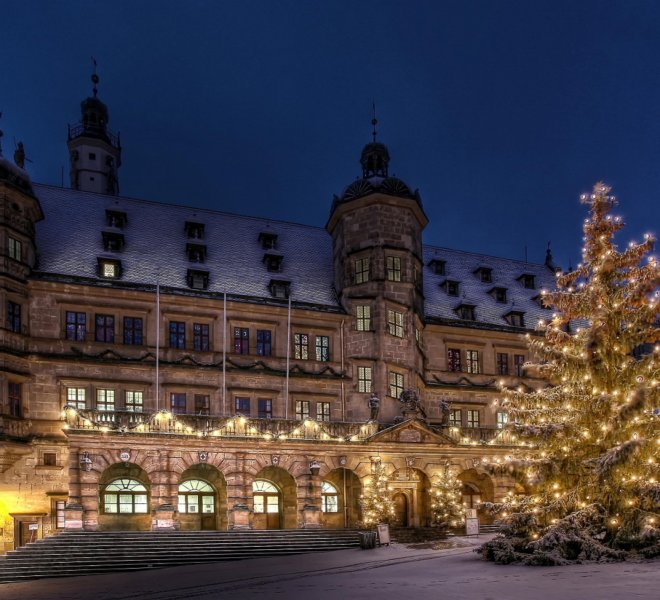 Marktplatz Rothenburg o.d.Tauber im Winter- Weihnachten Rathaus leer Tannenbaum Beleuchtung©Rothenburg Tourismus Service,WP_107 Weihnachten.klein