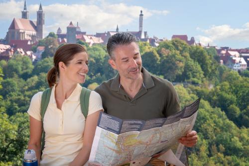 Wandern um Rothenburg ob der Tauber mit Stadtpanorama -Wandern Frühjahrswanderwoche Wanderkarte Wanderwege - Bildrecht Rothenburg Tourismus Service, Respon (6)