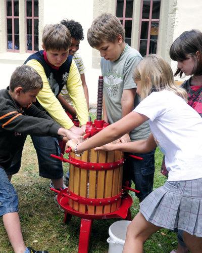 Bei diesem Pauschalangebot können Kinder und Schüler das Mittelalter hautnah erleben.