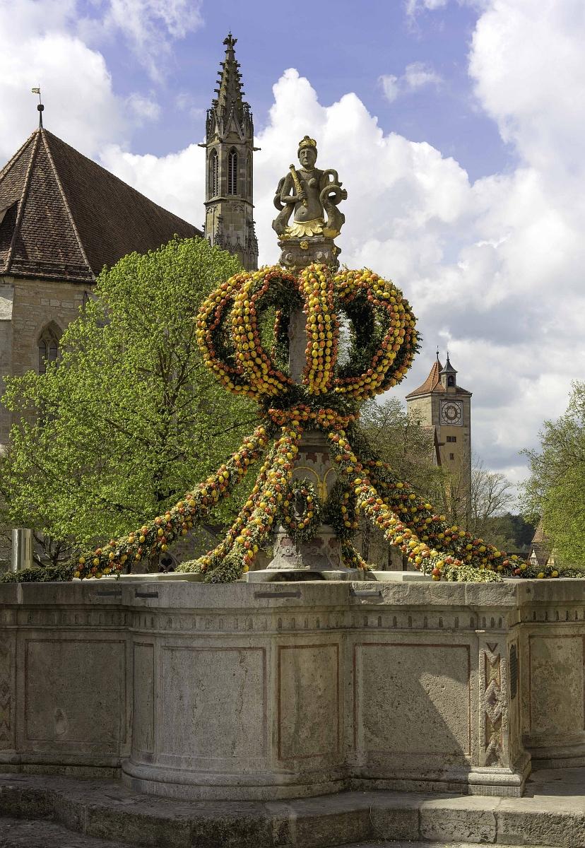Osterbrunnen in der Herrngasse