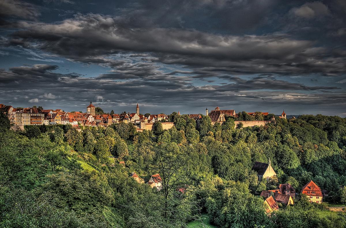 Blick über das Taubertal auf Rothenburg ob der Tauber