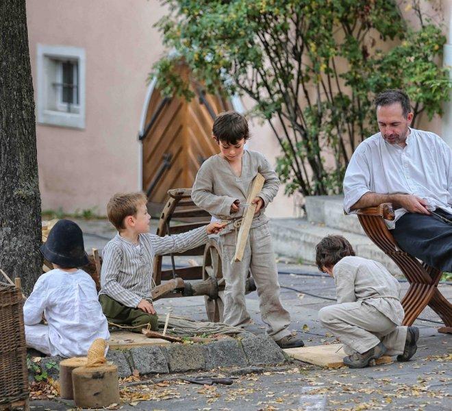 Kinder spielen bei den Reichsstadt-Festtagen