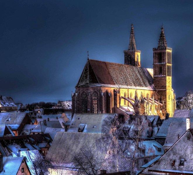 Blick auf St. Jakob bei Nacht