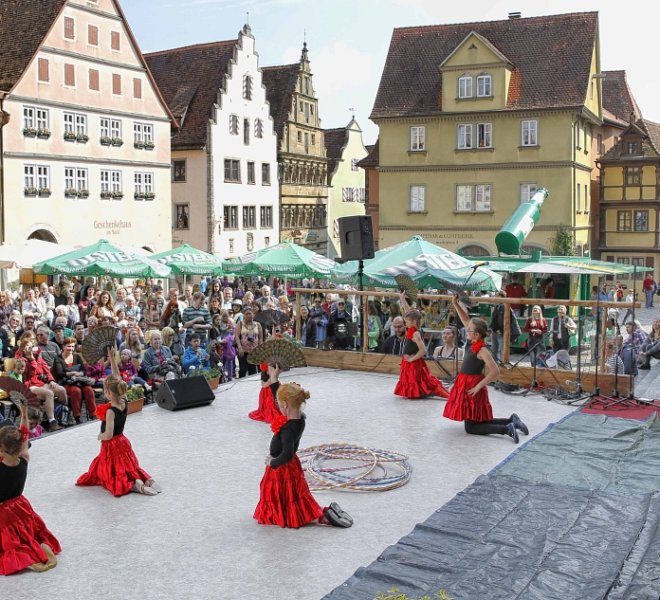 Auftritt beim Frühlingsfest Stadtmosphäre am Marktplatz