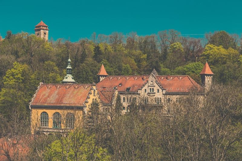 Ein Blick auf das Wildbad - die Evangelische Tagungsstätte liegt im Taubertal,