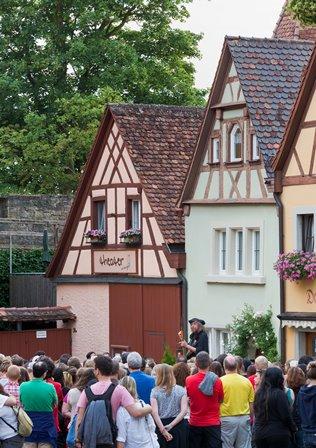 Abendliche Nachtwächterführung in Rothenburg