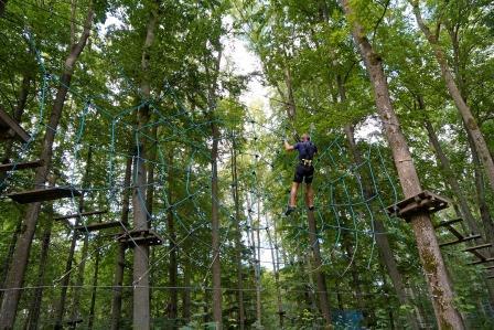 Jugendlicher im Kletterwald Rothenburg ob der Tauber